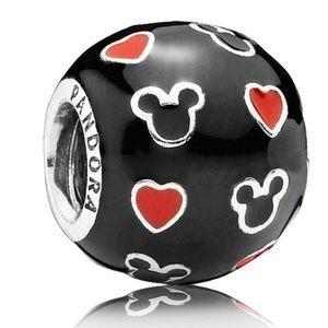 Disney, Mickey & Hearts🕊